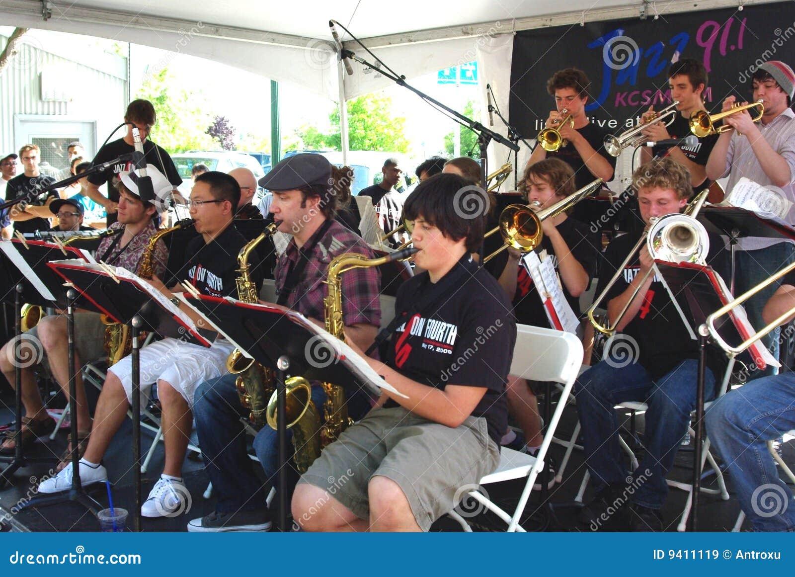 Het Ensemble van de Jazz van de Middelbare school van Berkeley