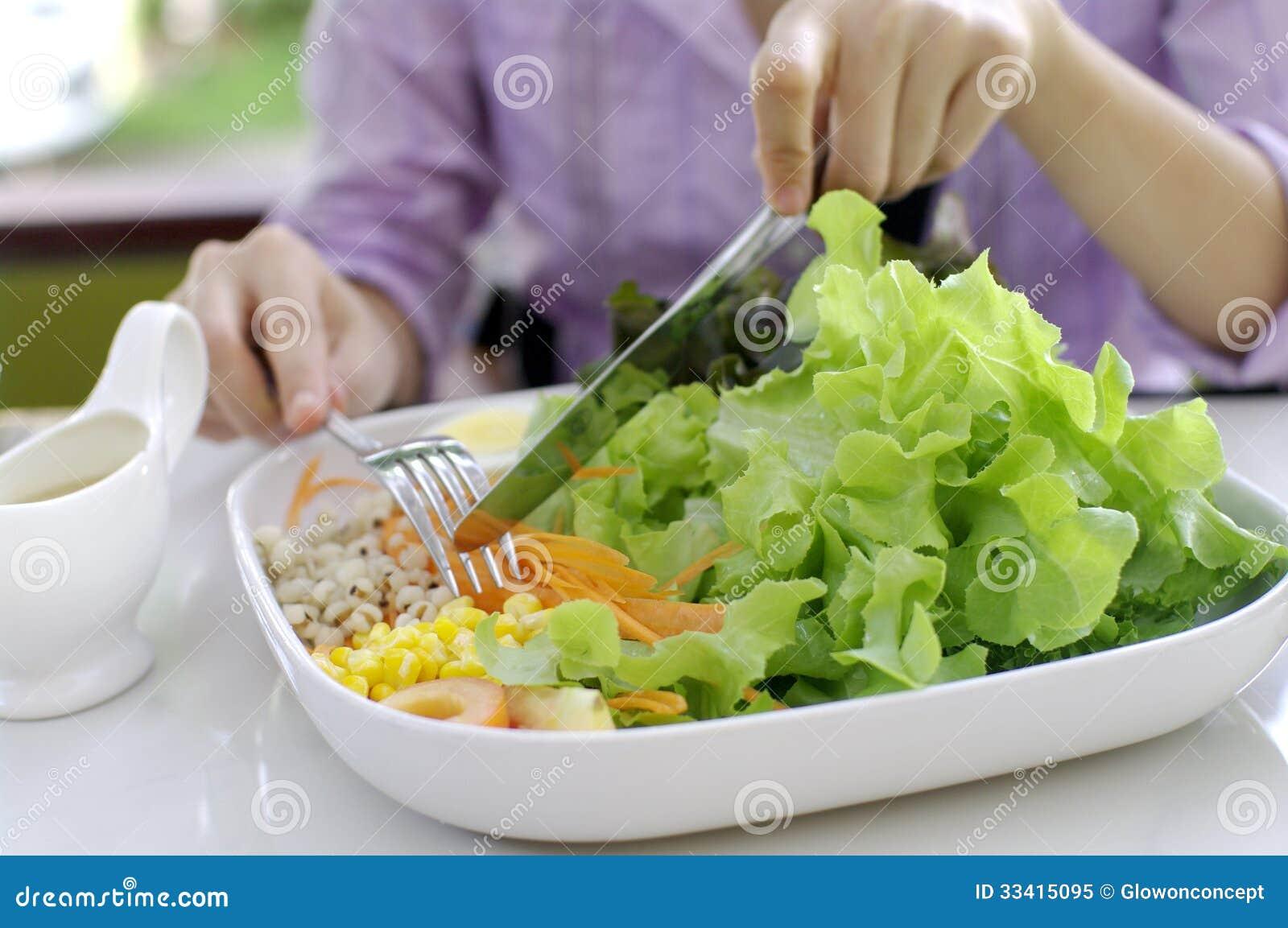 Het eten van salade gezonde maaltijd royalty vrije stock foto afbeelding 33415095 - Hoek maaltijd ...