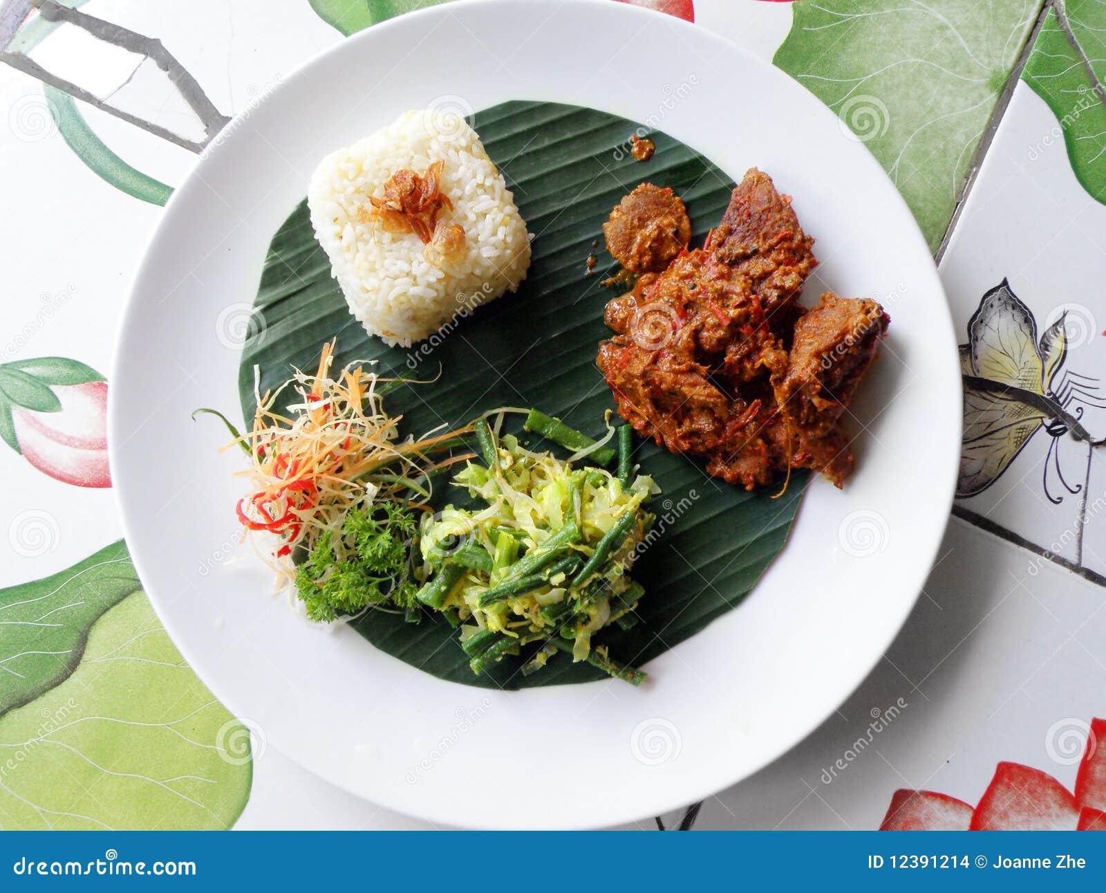 Het etnische voedsel van Bali, rundvleeskerrie rendang