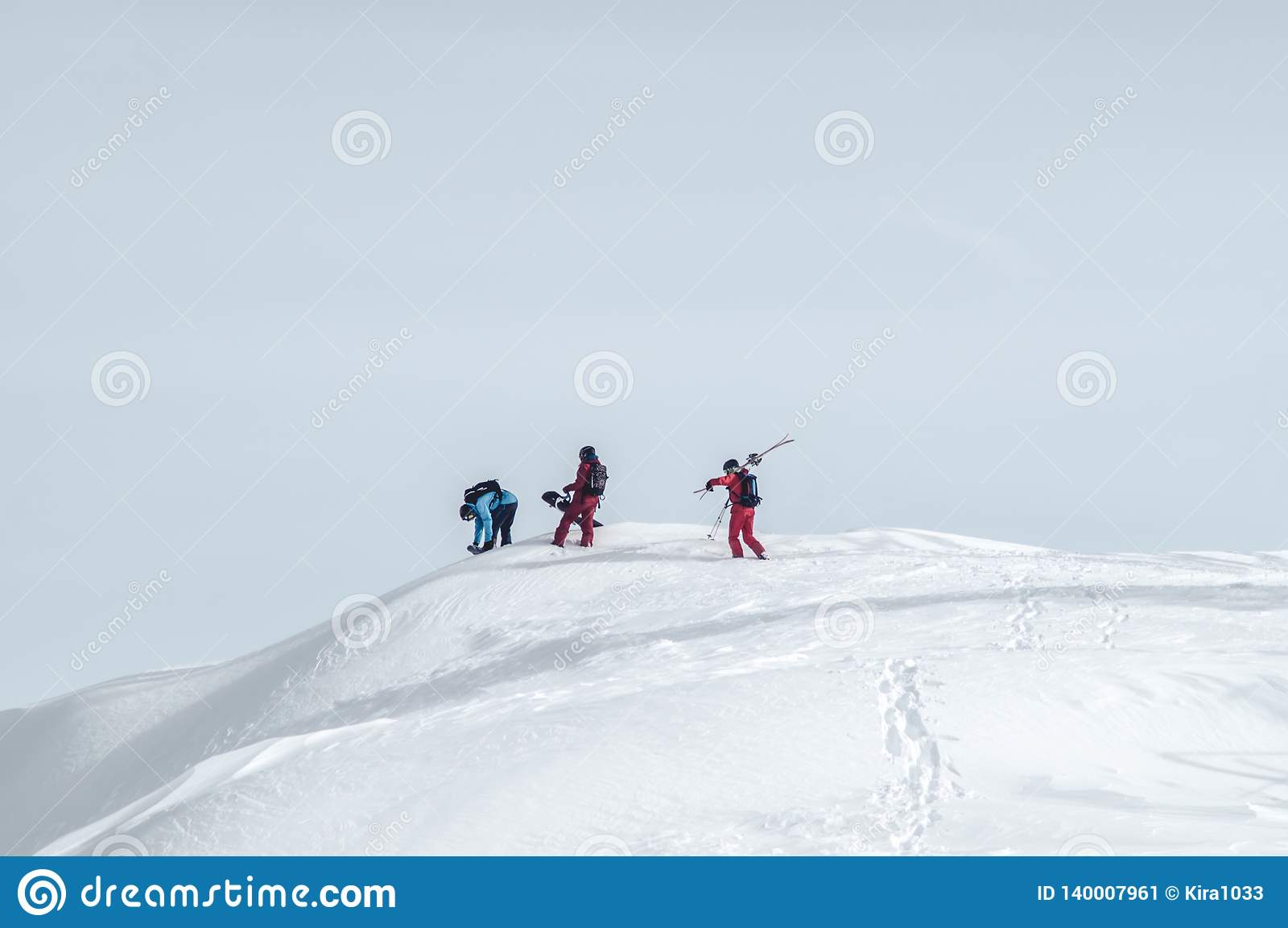 Het extreme sport snowboarding