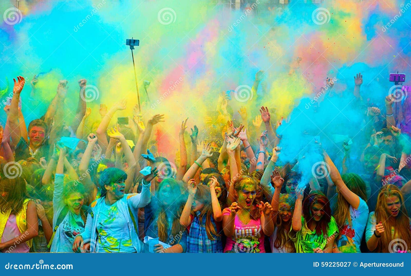 Het Festival van Holi van Kleuren