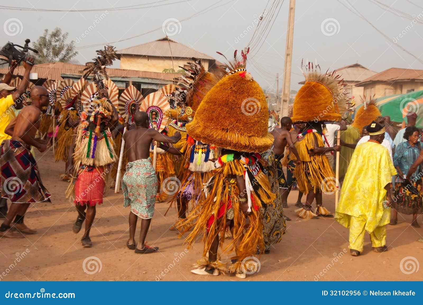 Het Festival van Otuoukpesose - Itu Maskerade in Nigeria