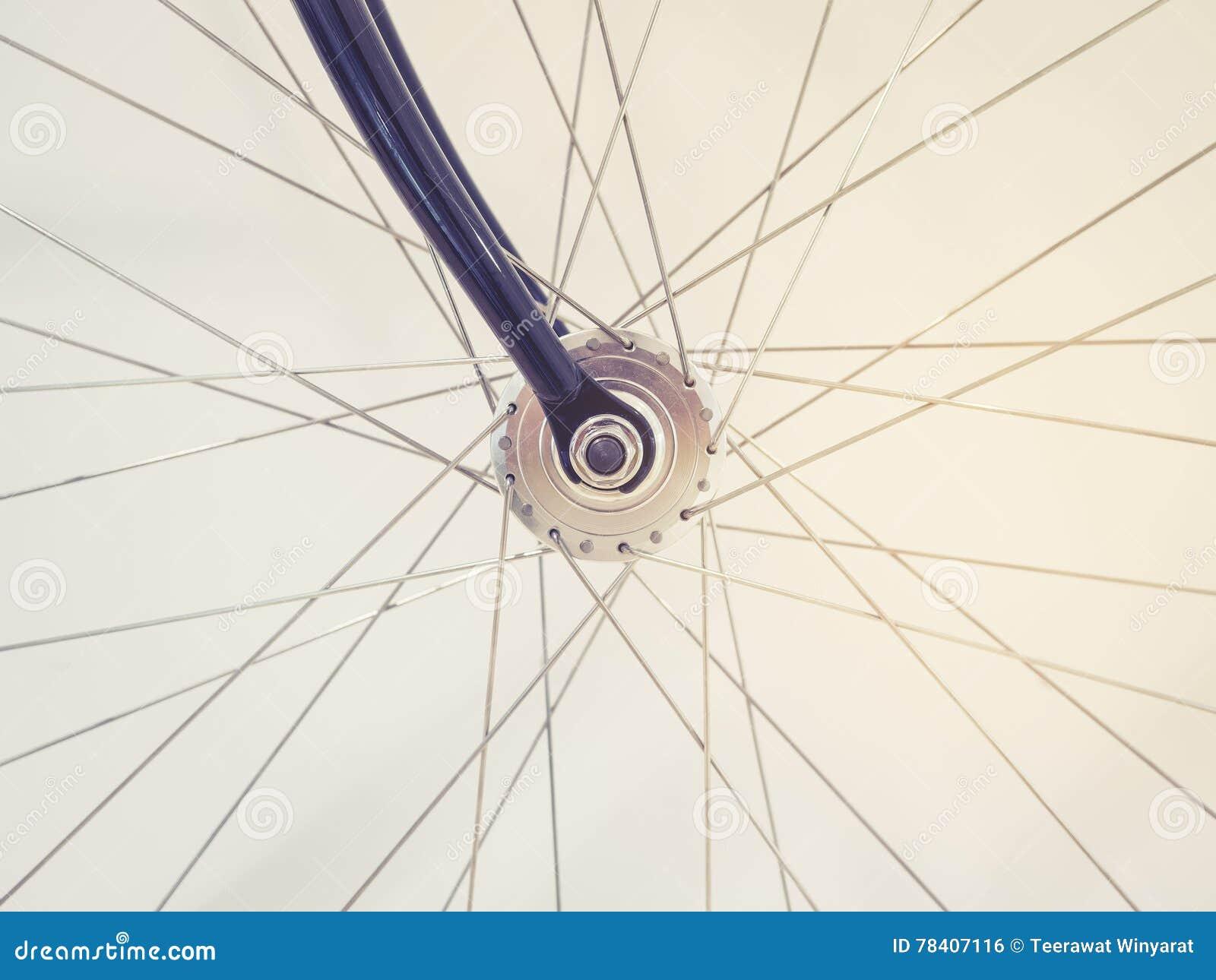 Licht In Fietswiel : Het fietswiel spraken en de kettingsdetails stock foto