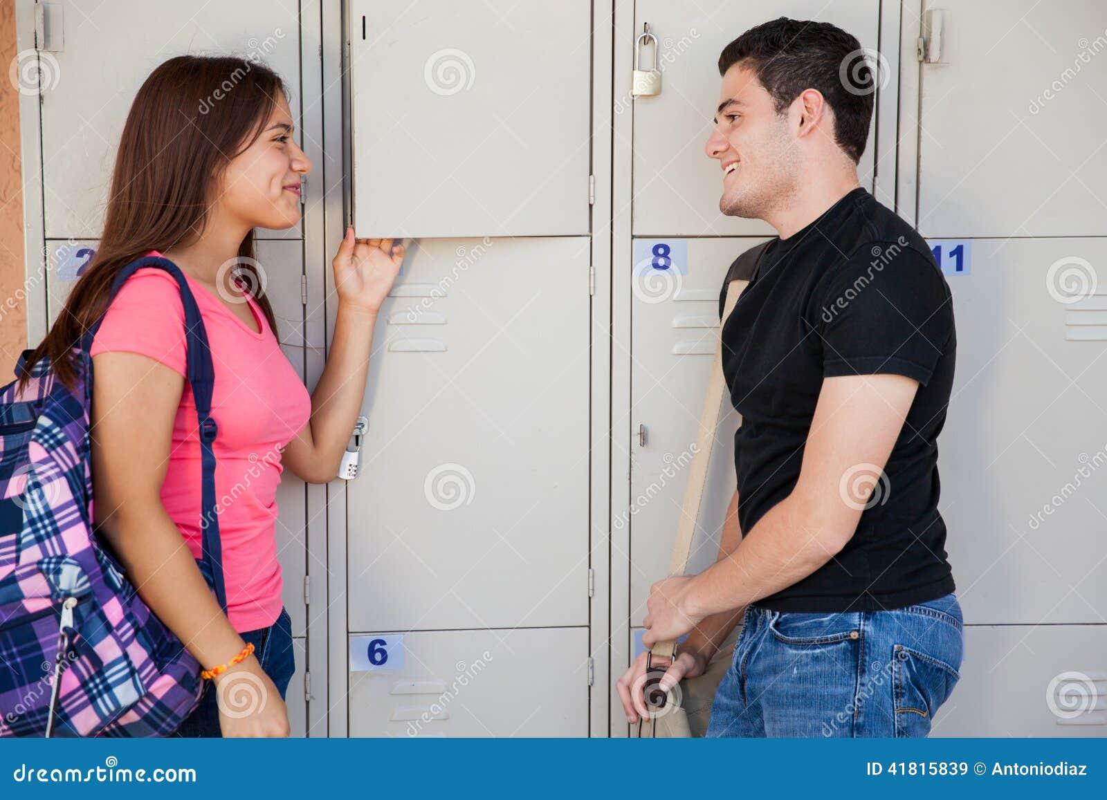 Mit mädchen in der schule flirten