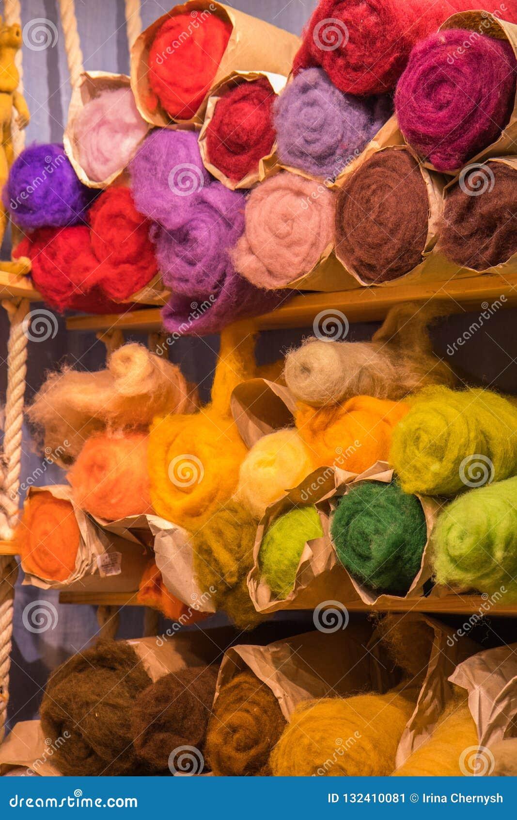 Het het Garenzwerven van de vezelwol voor de Hand die van de Naaldviltbekleding DIY-Ambachtmaterialen spinnen