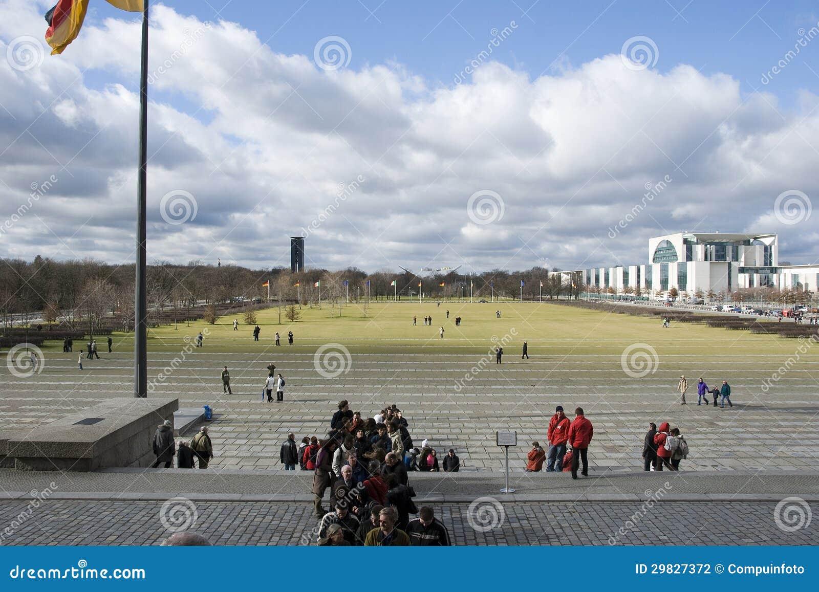 Het reichstagberlijn overheidsgebouw redactionele fotografie afbeelding 29827372 - Het upgraden van m ...