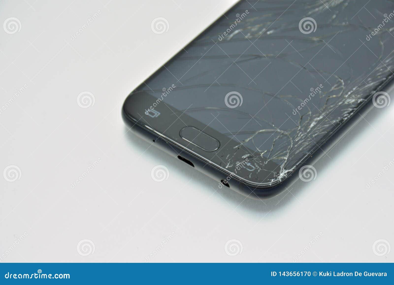 Het gebroken mobiele telefoonscherm