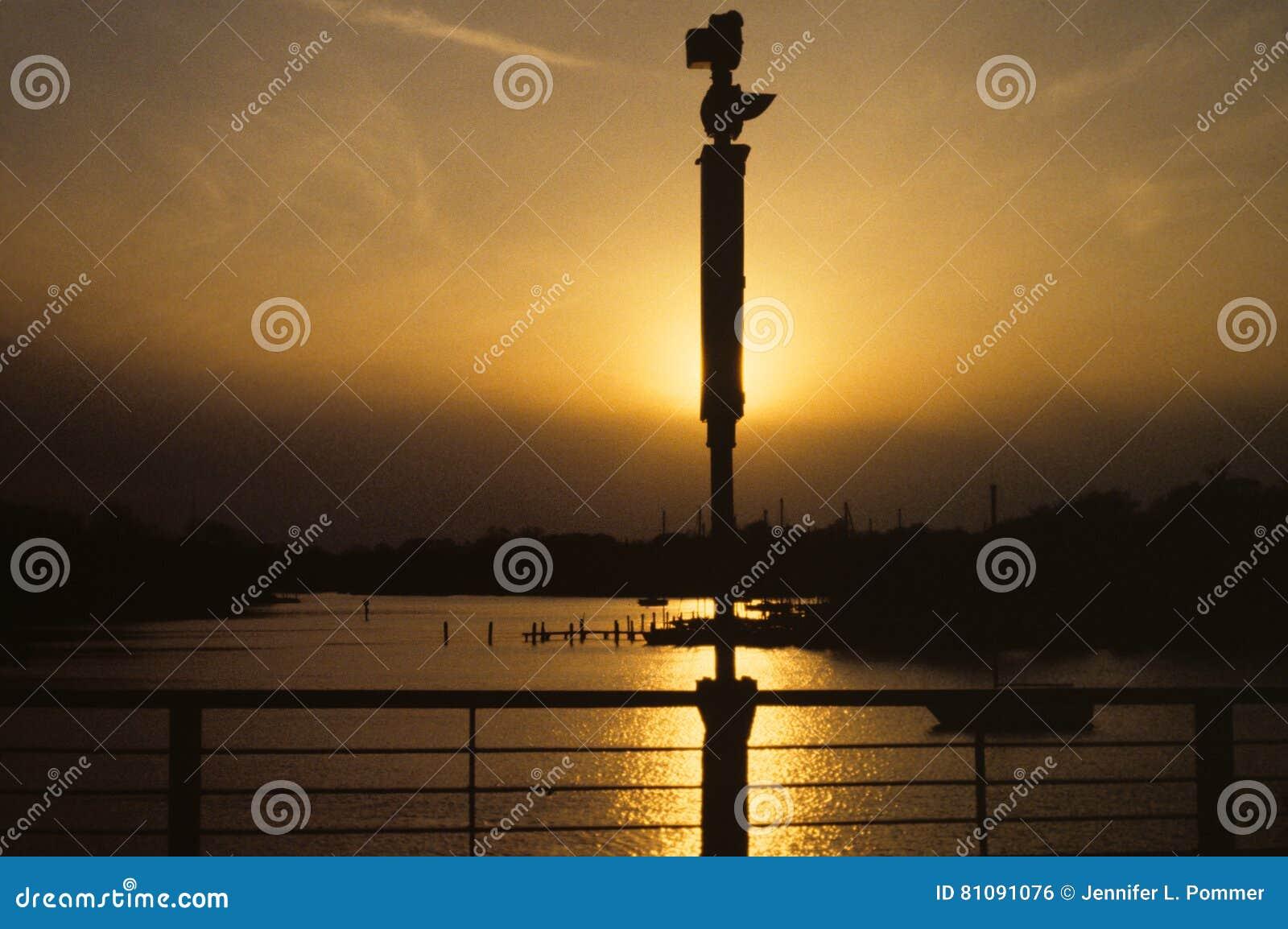 Het gelijk maken van verspreide zon op haven