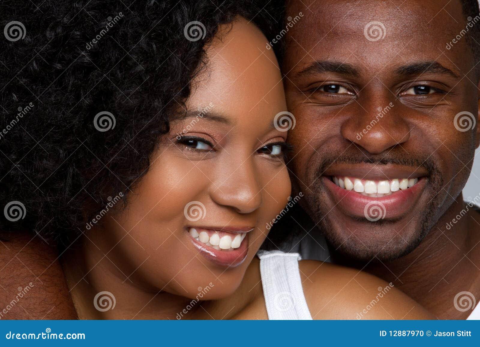 Het gelukkige Glimlachen van het Paar