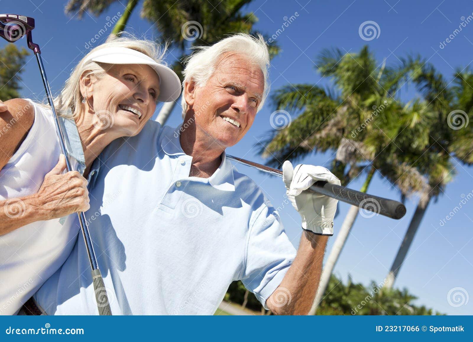 Het gelukkige Hogere SpeelGolf van het Paar van de Man & van de Vrouw