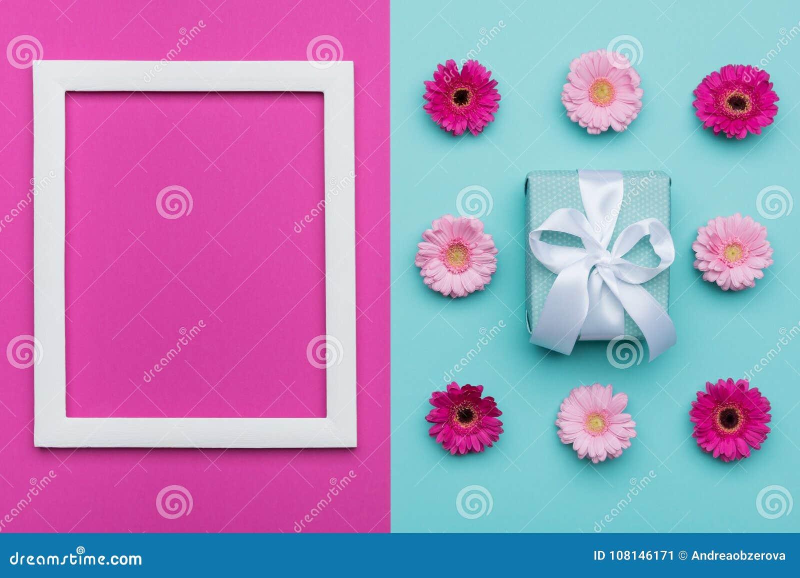 Het gelukkige Moeder` s Dag, van de Vrouwen` s Dag, van de Dag van Valentine ` s of van de Verjaardag Pastelkleur Blauwe en Roze