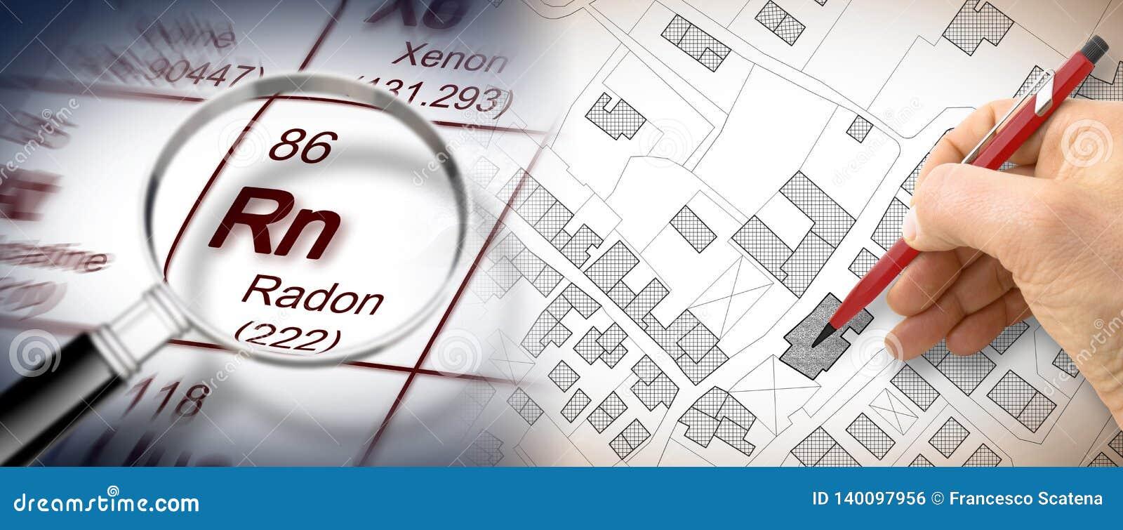Het gevaar van radongas in onze steden - conceptenbeeld met periodieke lijst van de elementen, de overdrijvende lens en de handte