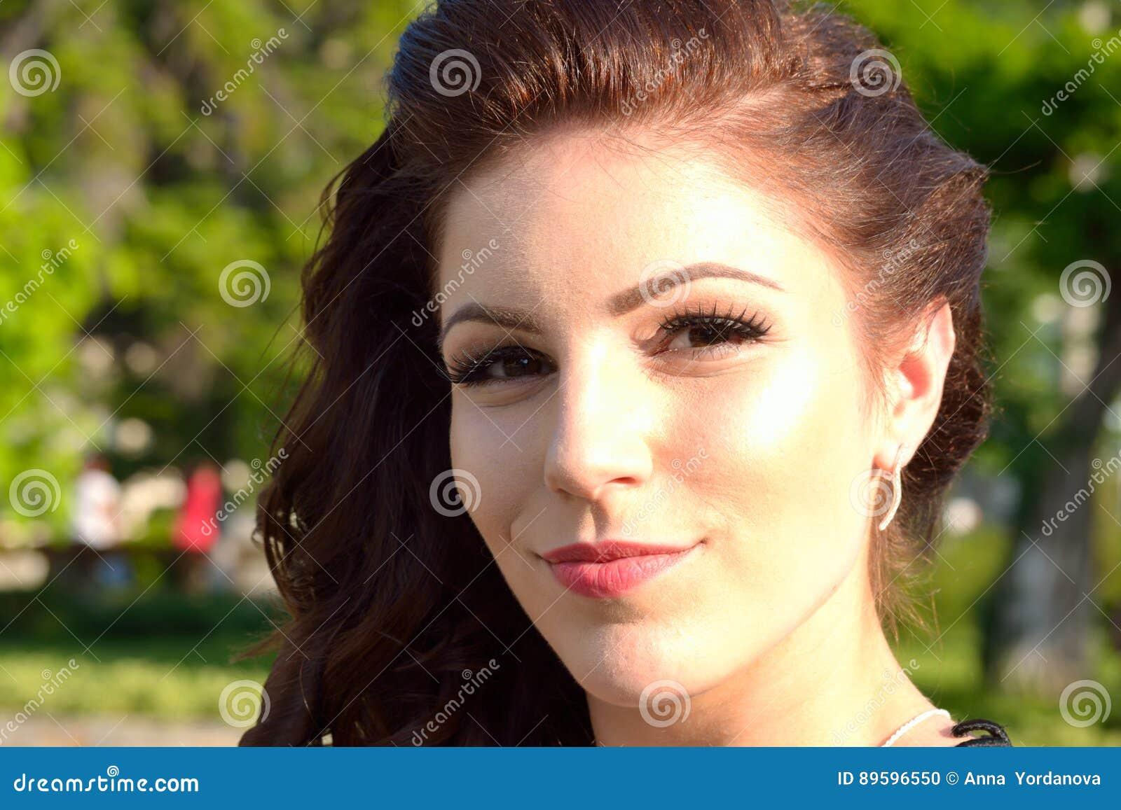 Het glimlachen van Nice meisjesportret