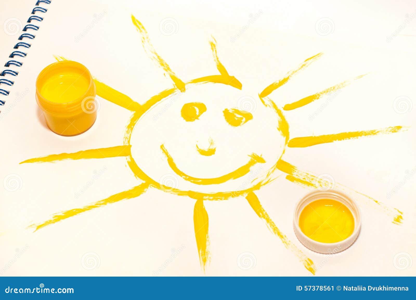 Het glimlachen van zon op wit