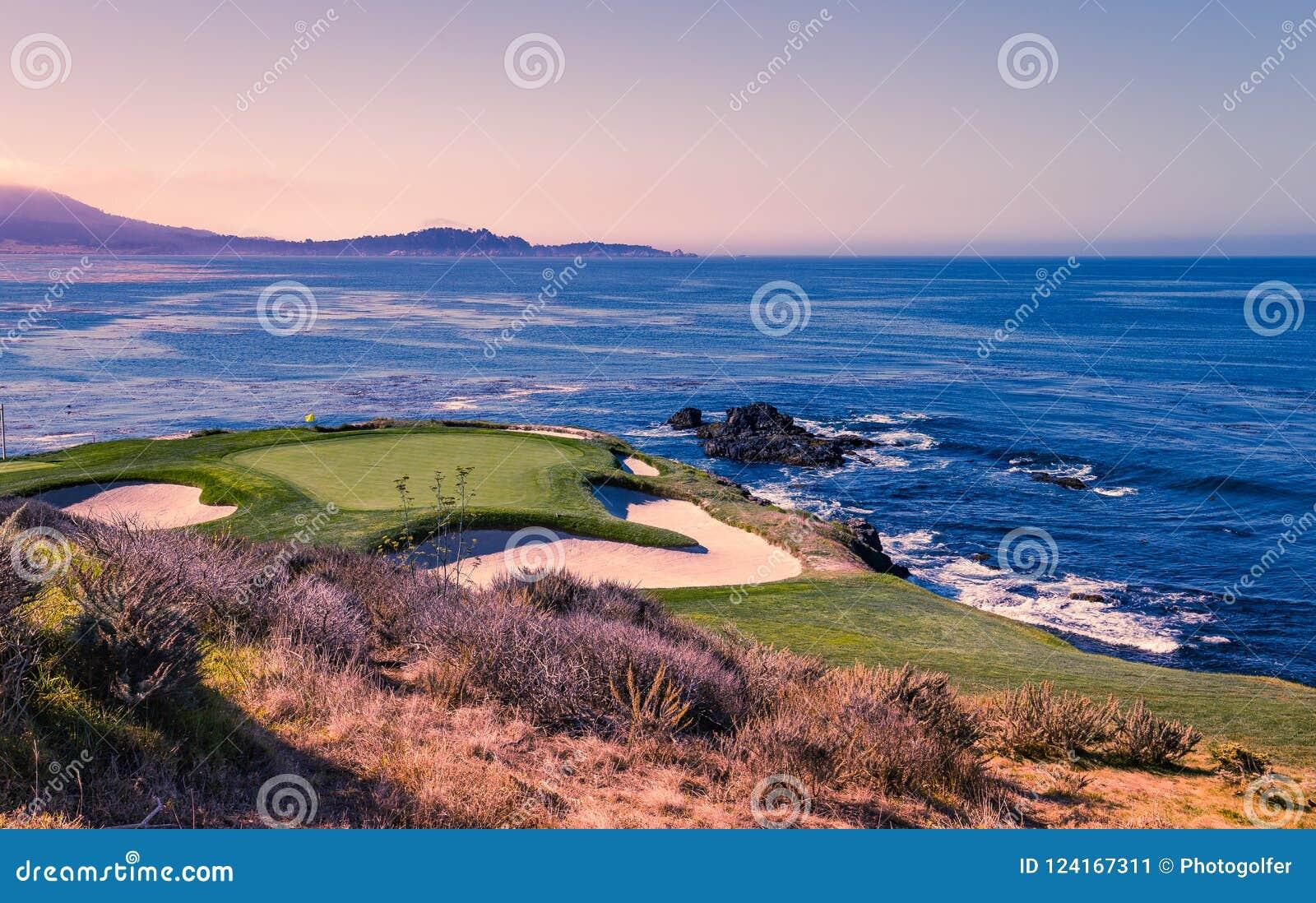 Het golfcursus van het kiezelsteenstrand, Monterey, Californië, de V.S.