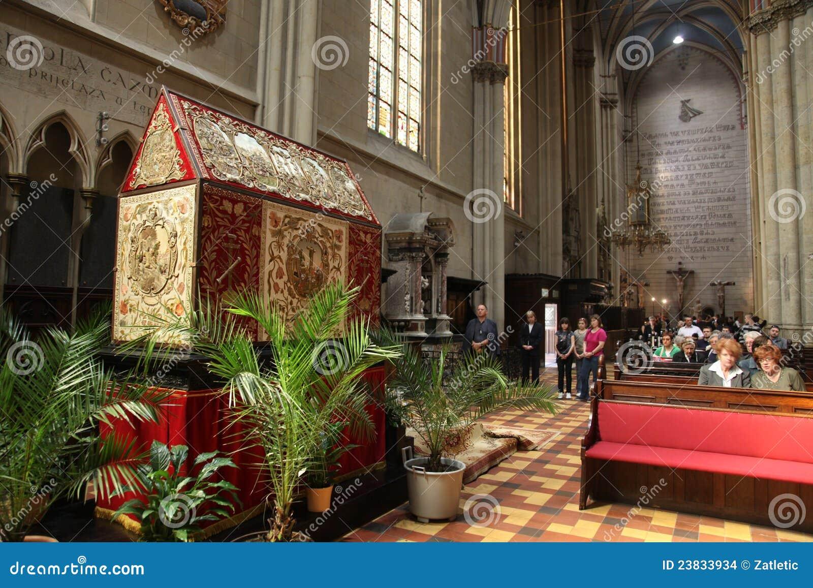 Het graf van Christus in de kathedraal van Zagreb