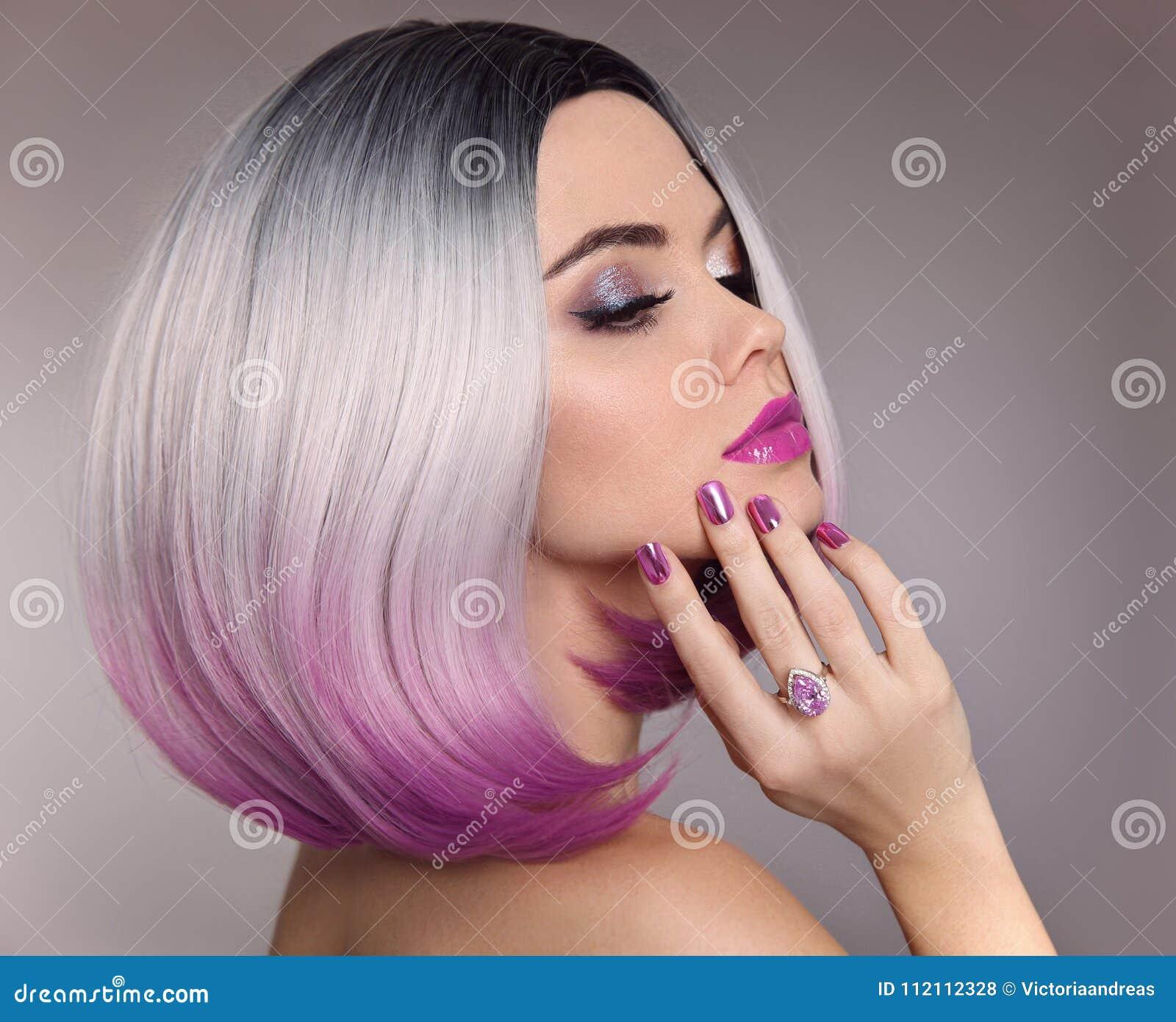 Het haarvrouw van het Ombreloodje schitter make-up Manicurespijkers Schoonheid Por