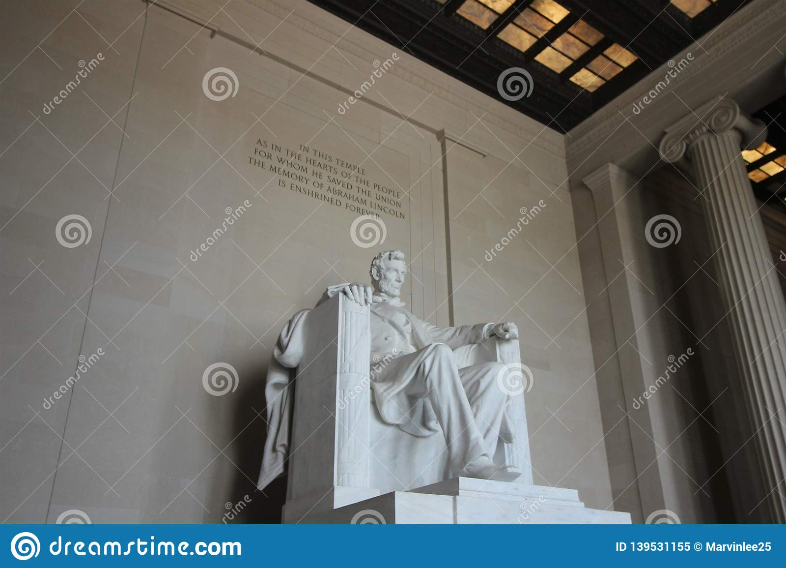 Het herdenkingsstandbeeld van Lincoln