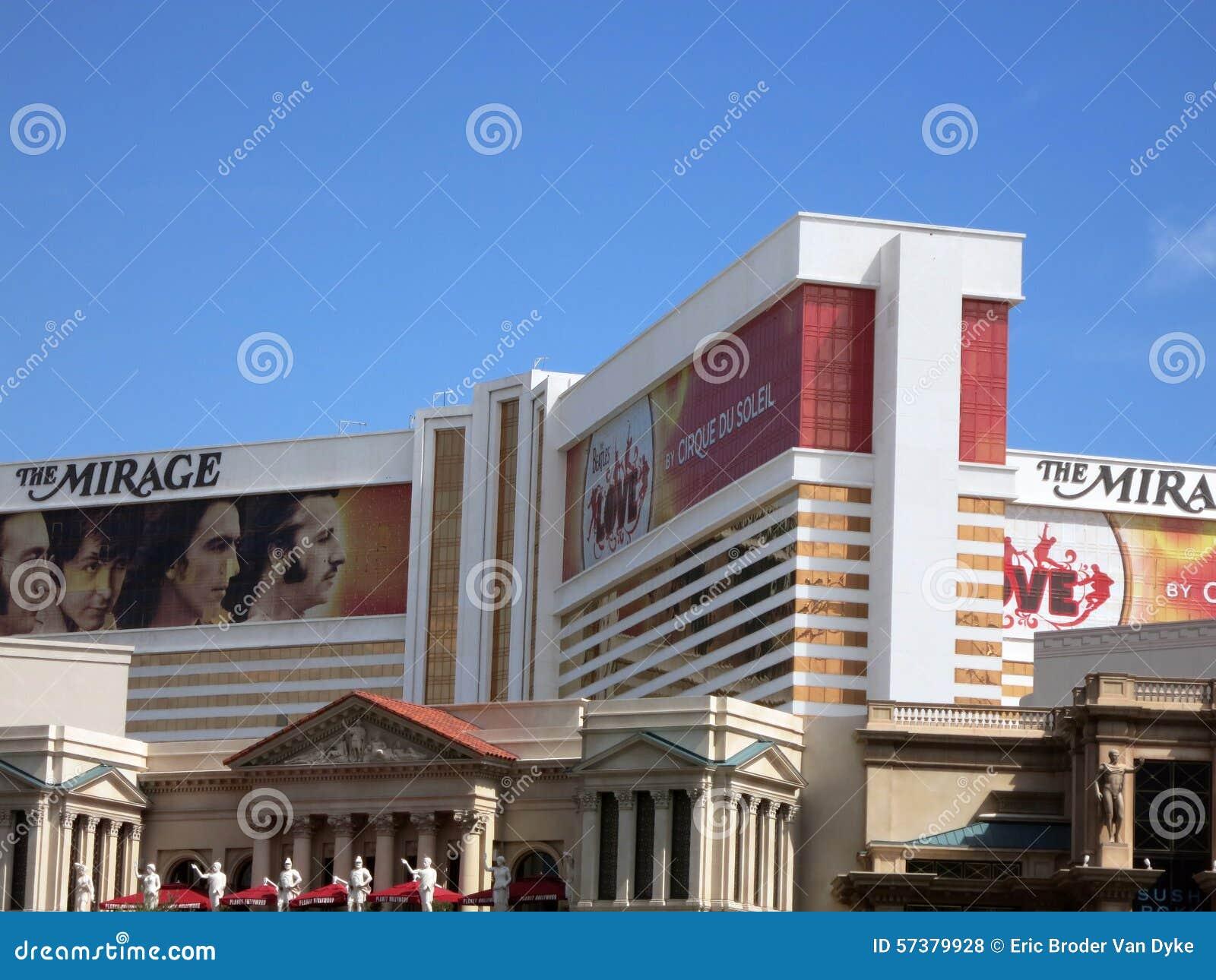 Het het Luchtspiegelinghotel en Casino met advertentie voor Beatles tonen verpakkende wi