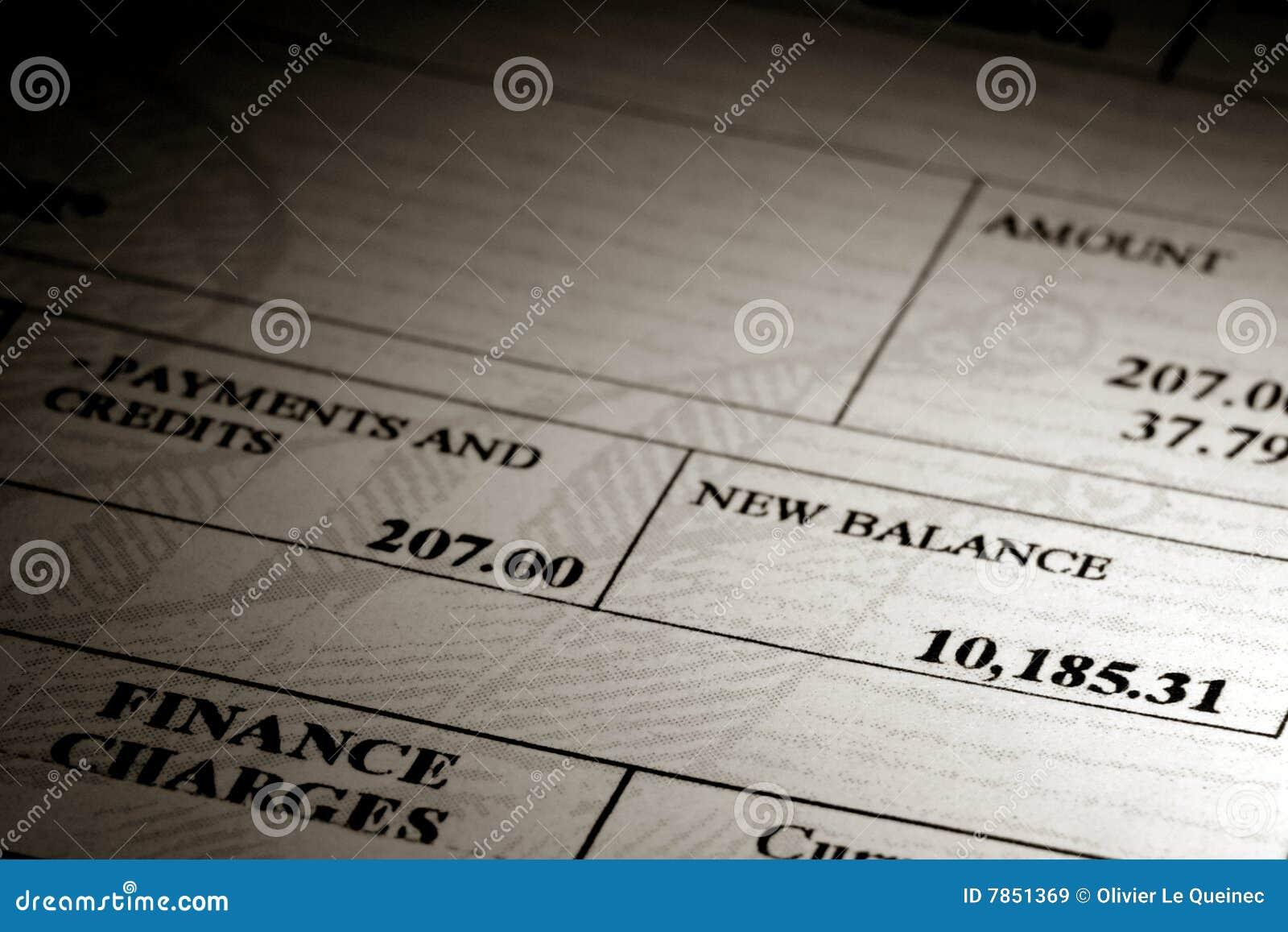 Het hoge Saldo van de Schuld van de Creditcard op een Verklaring