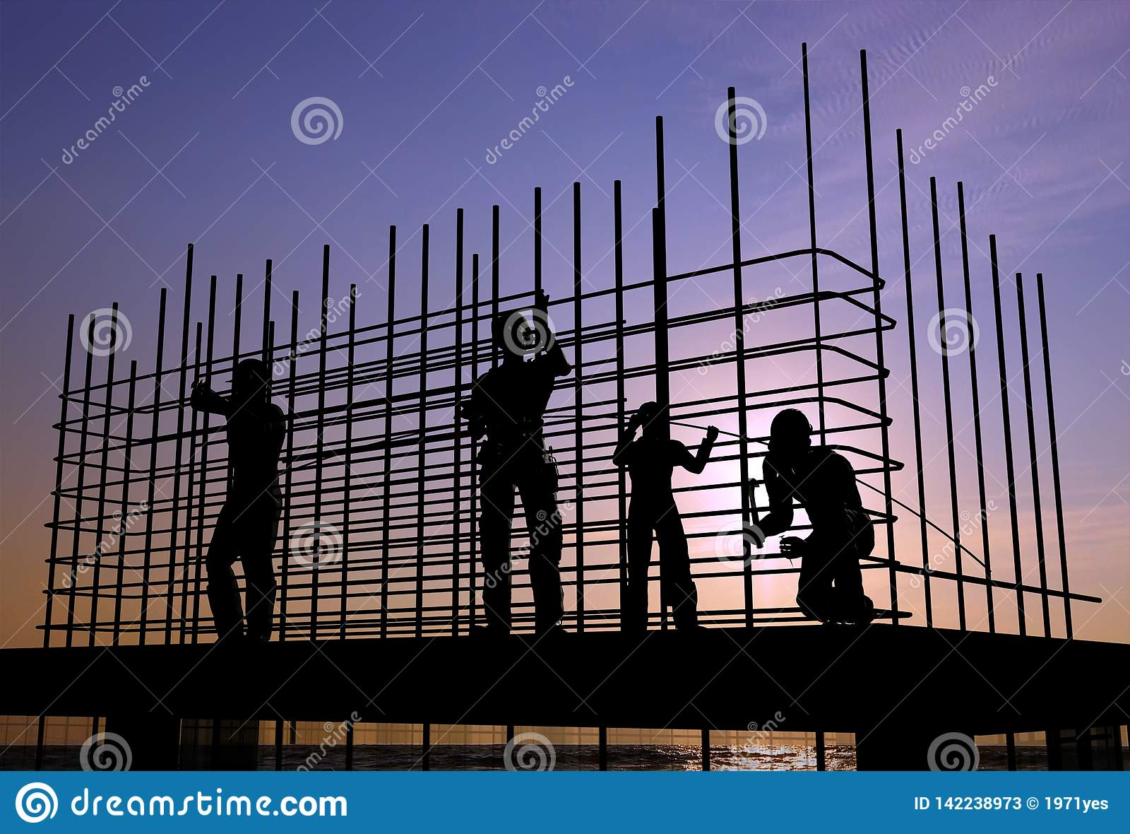 Het hoge stijging de bouw uitgaan