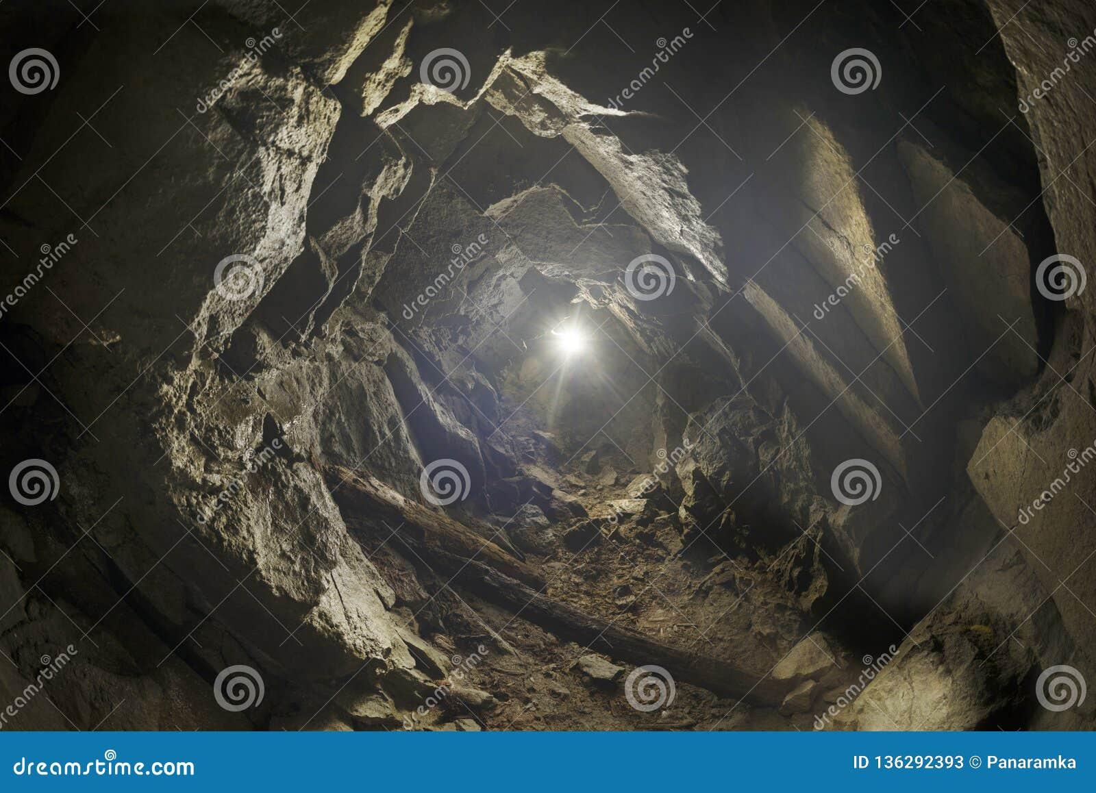 Het hol is een element van de Bescherming van de Lijn van Arpad
