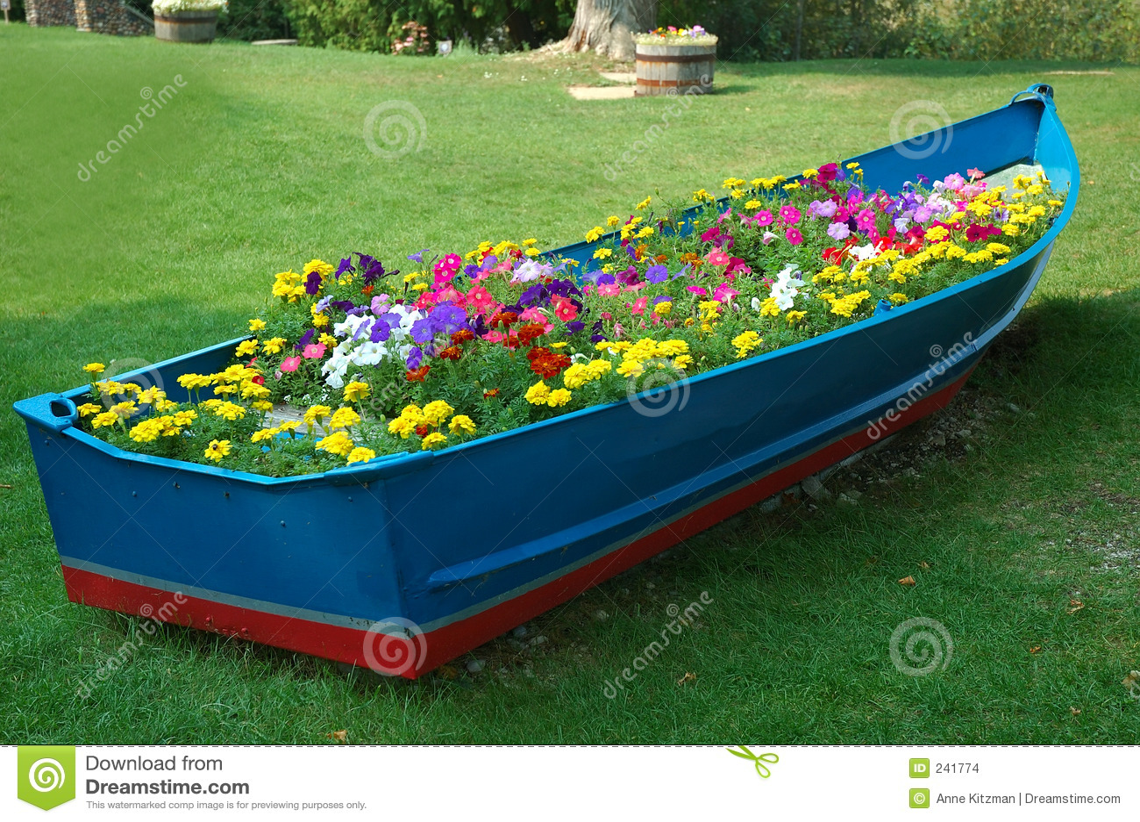 Het hoogtepunt van de boot van bloemen