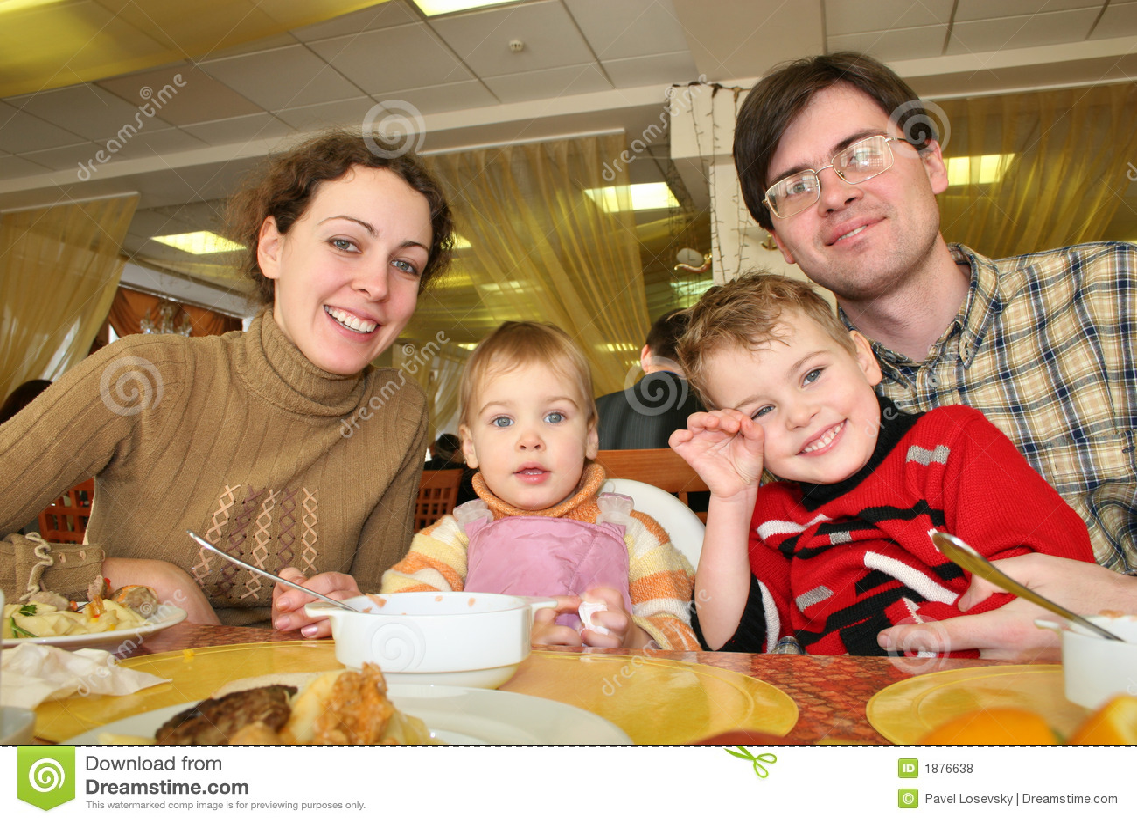 Het hoteldiner van de familie