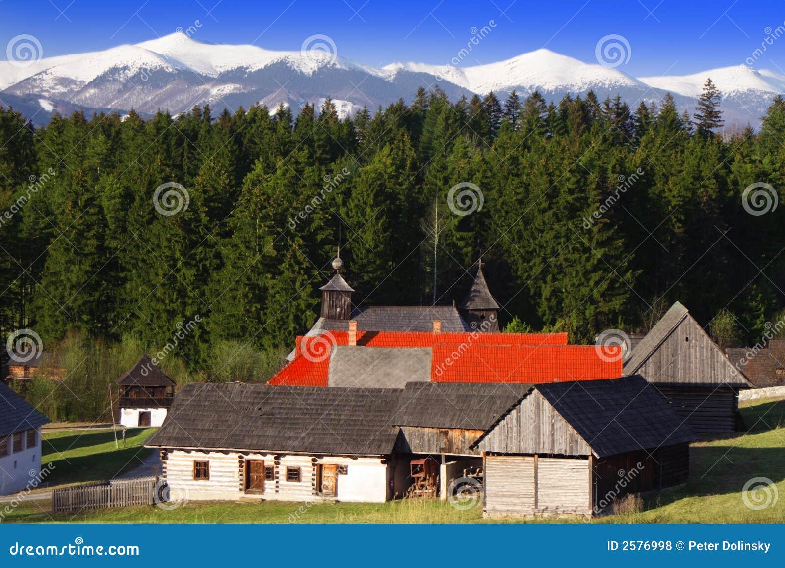Het houten Dorp van de Berg