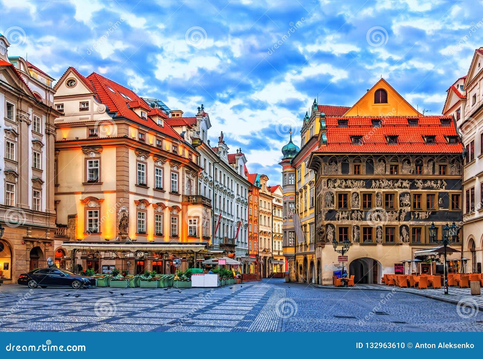 Het Huis de Minuut in Oud Stadsvierkant van Praag, Tsjechische Repu
