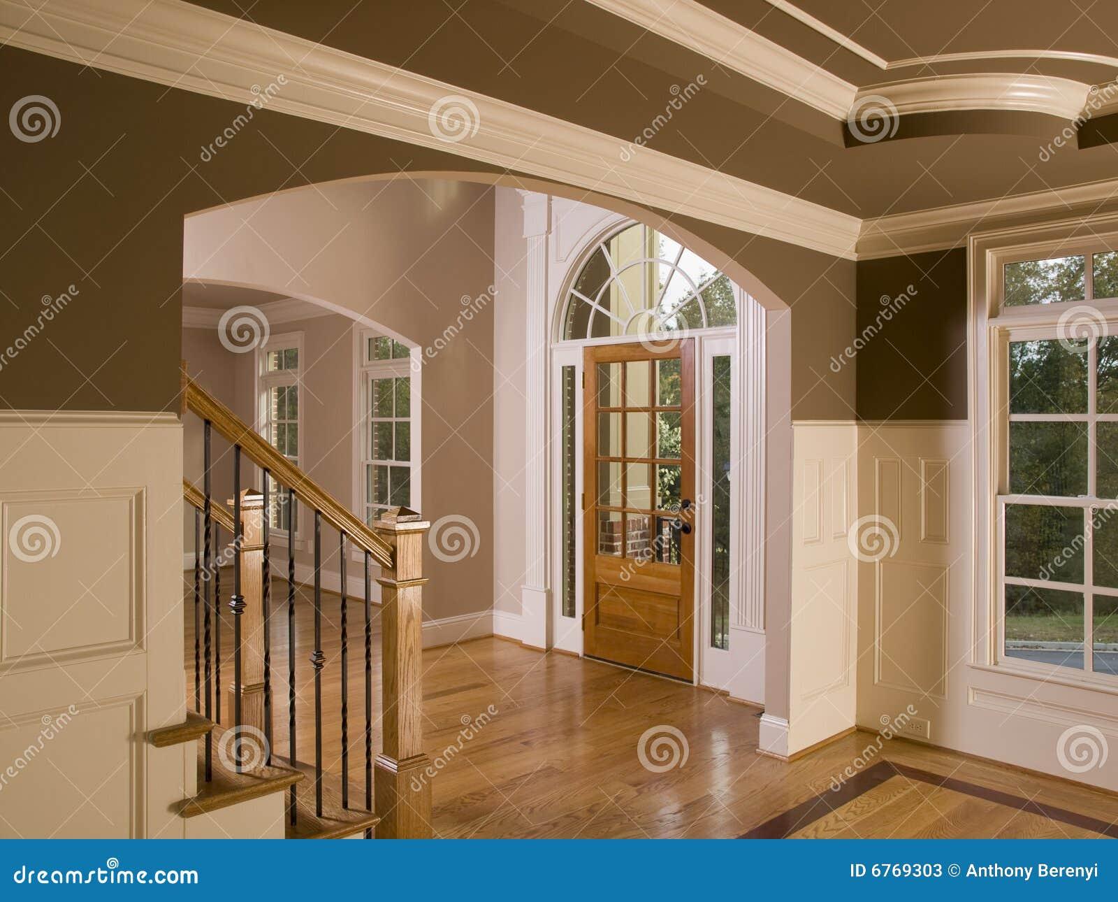 Het huis entranceway van de luxe met trap stock foto 39 s afbeelding 6769303 - Huis trap ...