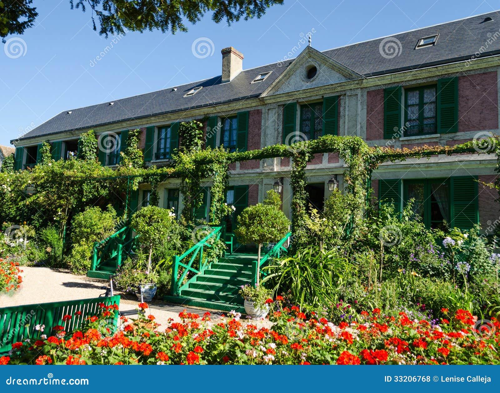 Het huis van claude monet giverny frankrijk royalty vrije stock foto 39 s afbeelding 33206768 - Huis van de cabriolet ...