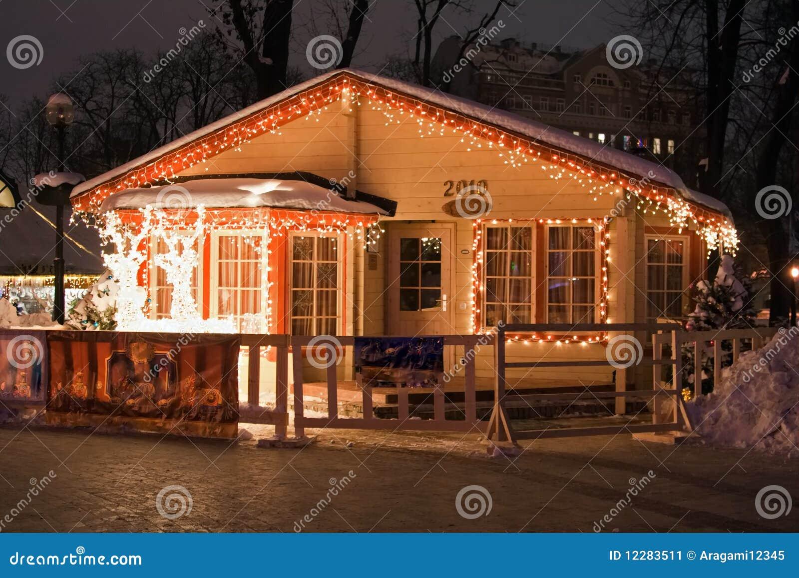 Het huis van de kerstman stock afbeelding afbeelding bestaande uit feestelijk 12283511 - Huis van de wereld vaas ...