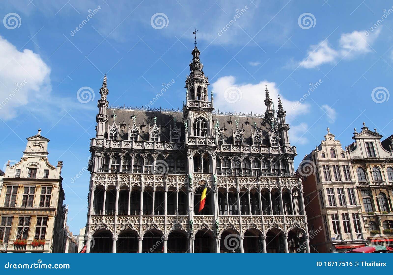 Het huis van de koning op de grote plaats brussel belgi royalty vrije stock afbeelding - Huis van de cabriolet ...