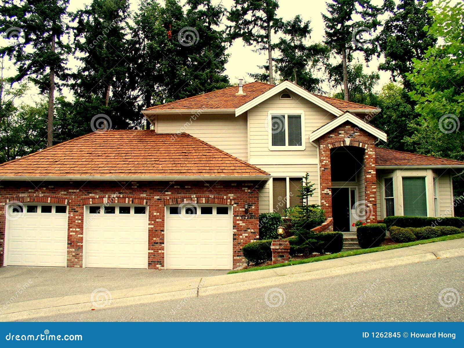 Het huis van de luxe stock afbeelding afbeelding bestaande uit garage 1262845 - Huis van het wereldkantoor newport ...