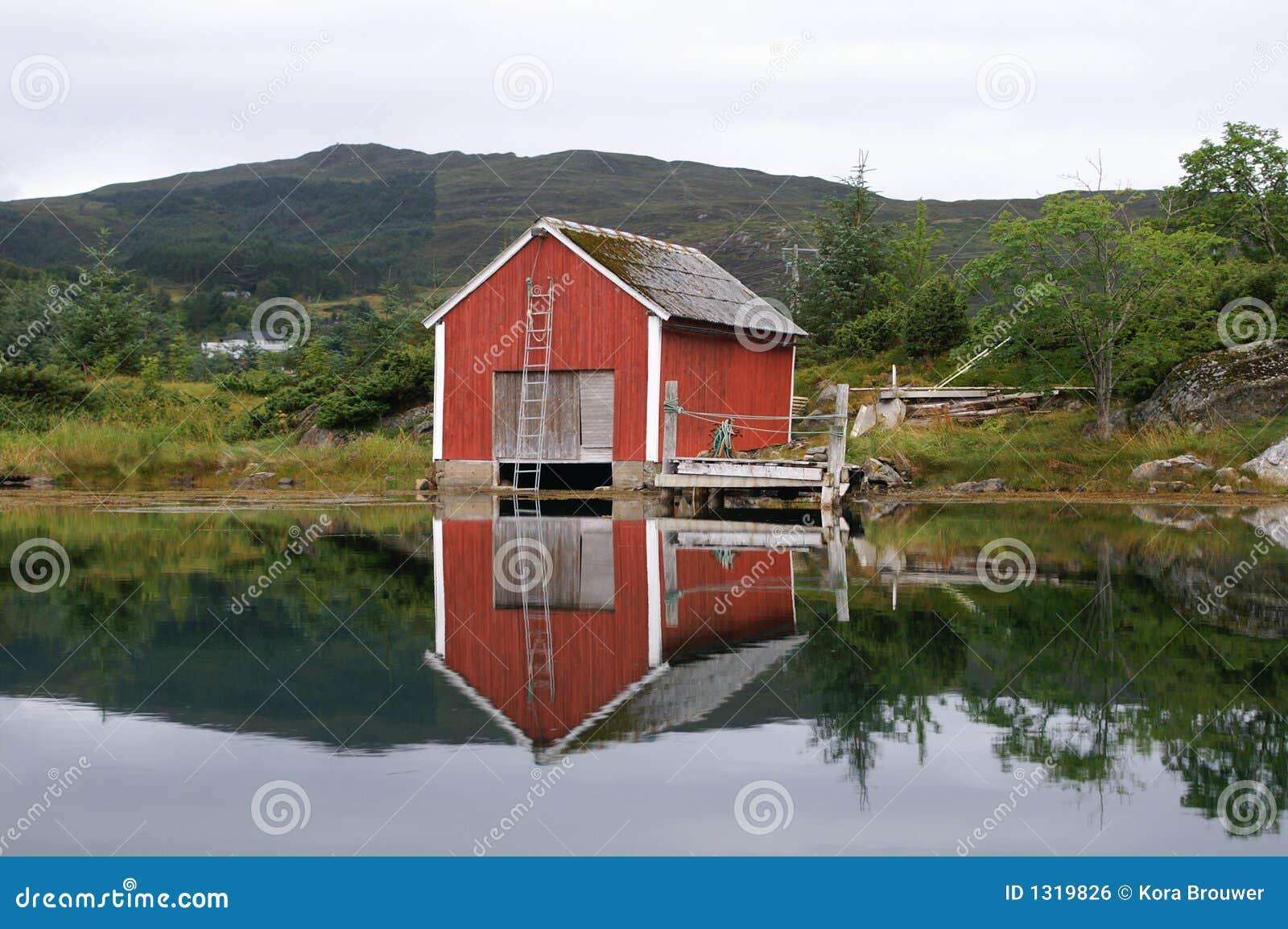 Het huis van de oude visser noorwegen royalty vrije stock afbeelding afbeelding 1319826 for Deco oude huis