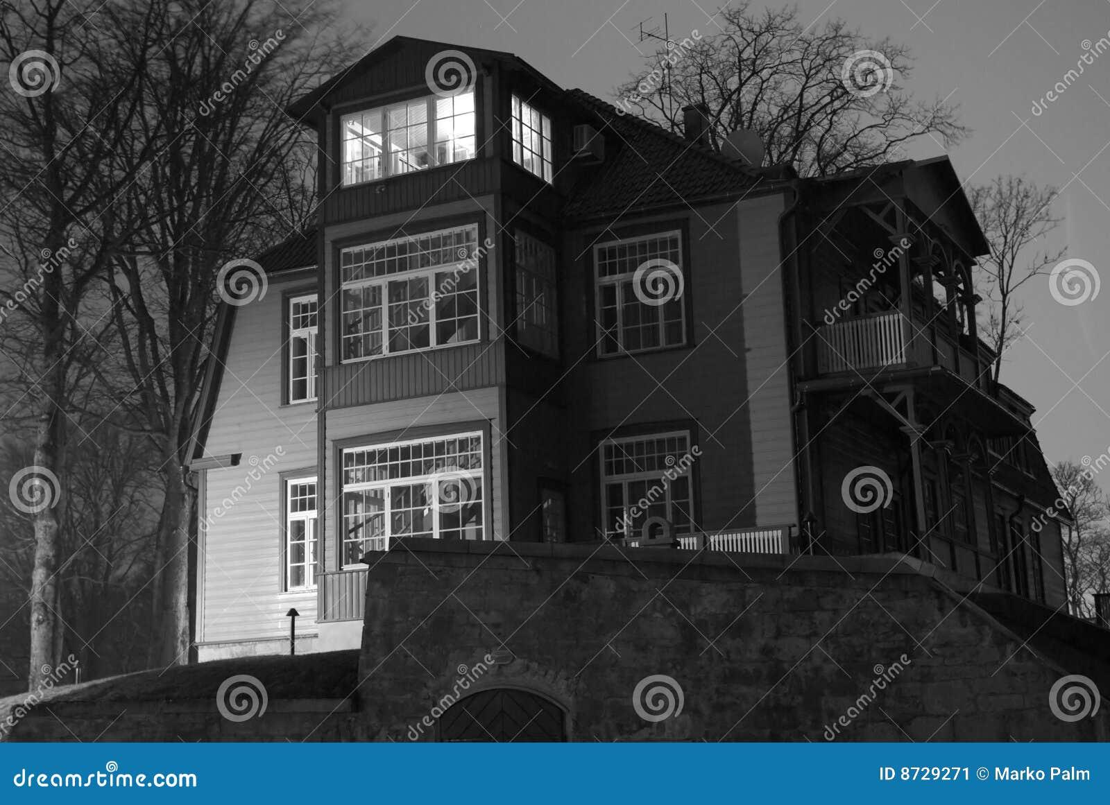 Het Huis van de Stijl van de vakman bij Nacht