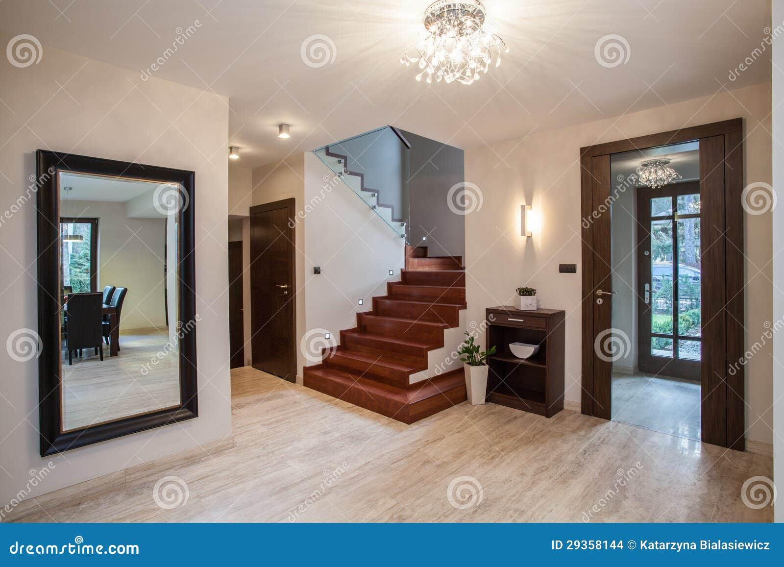 Het huis van de travertijn: ingang stock foto afbeelding bestaande