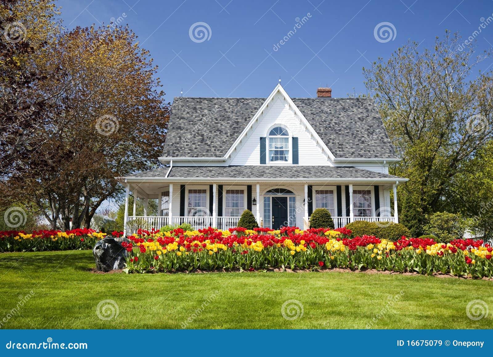 Het huis van de tulp stock afbeelding afbeelding bestaande uit bloemen 16675079 - Ingang van het hedendaagse huis ...