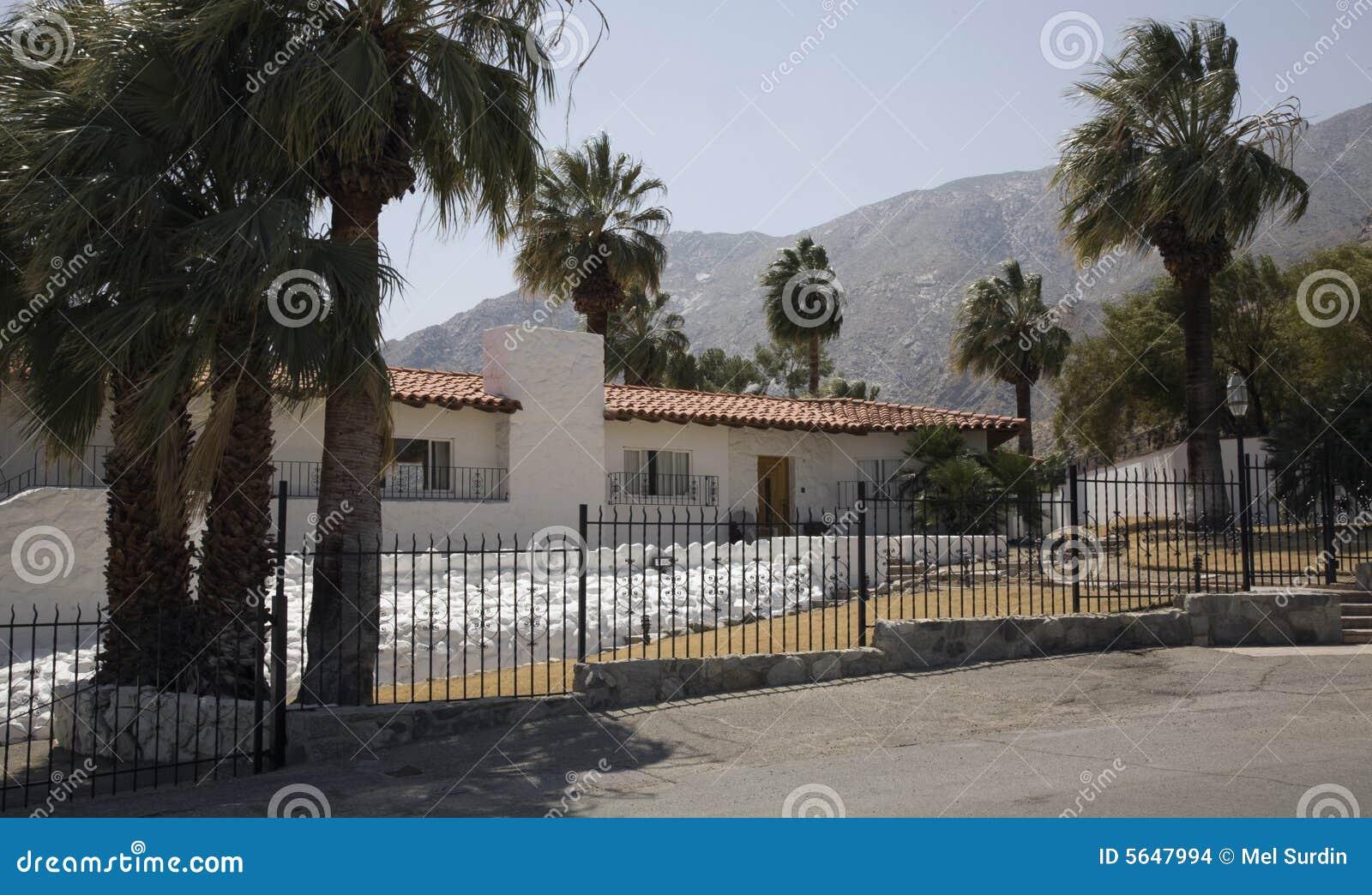 Het huis van elvis presley stock foto afbeelding bestaande uit buitenkant 5647994 - Versier het huis ...