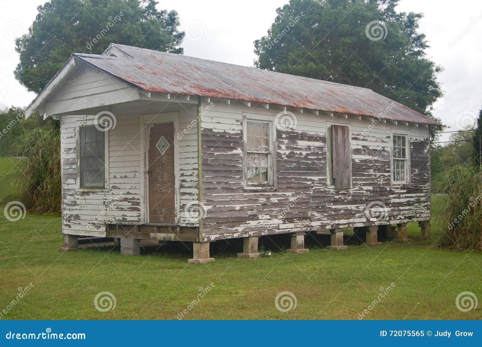 Het huis van het Ramshackledjachtgeweer in Thibodaux, Louisiane
