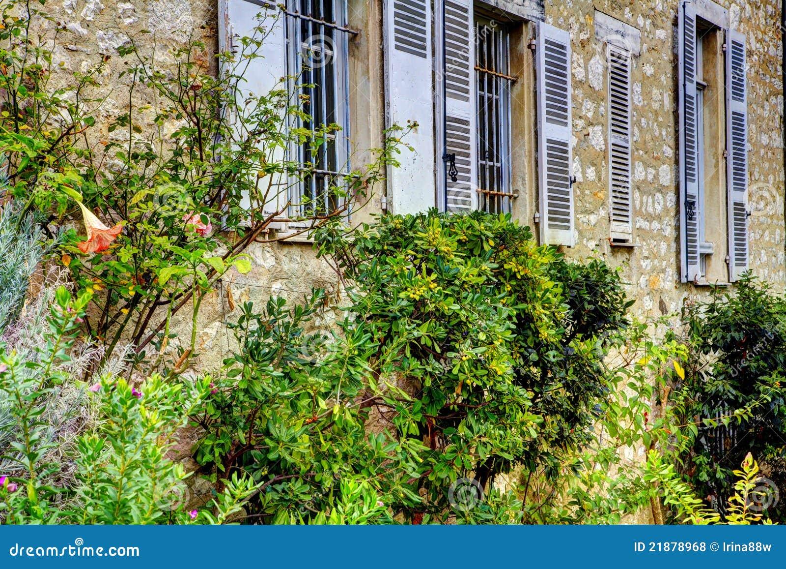 Het huis van renoir van het museum cagnes sur mer royalty vrije stock foto 39 s afbeelding 21878968 - Ingang van het hedendaagse huis ...