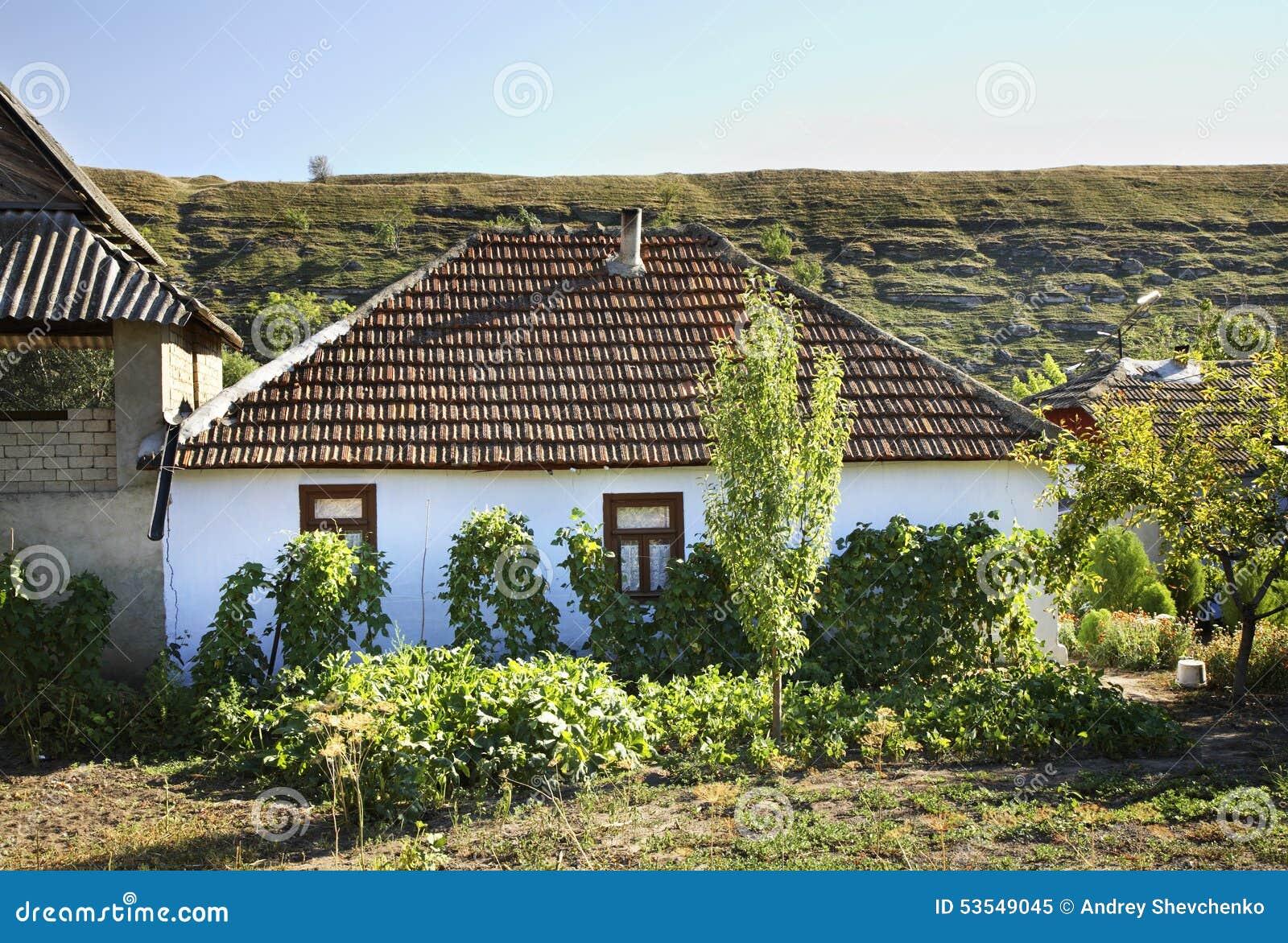 Het inbouwen van Trebujeni-dorp moldova