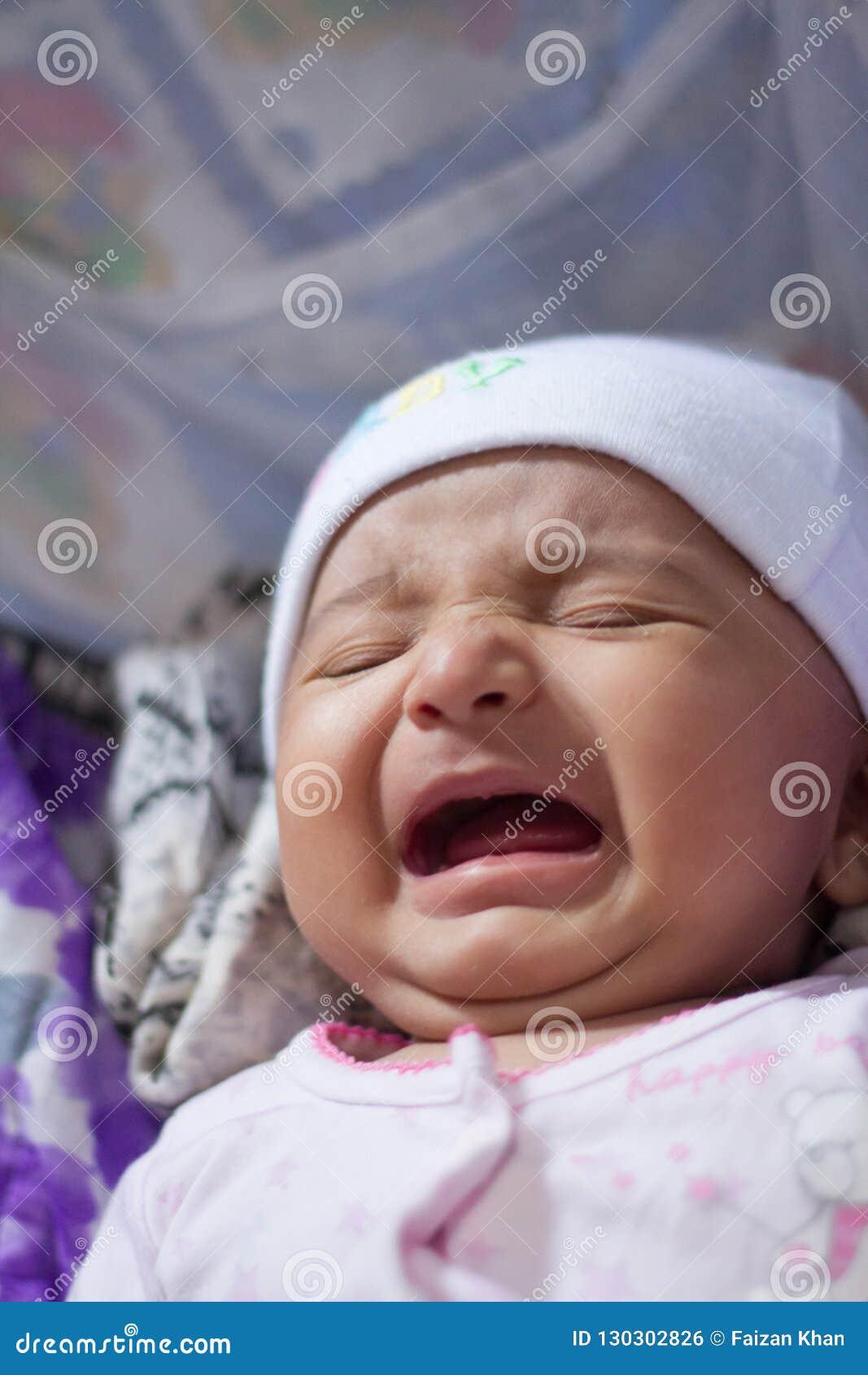 Het Indische baby schreeuwen