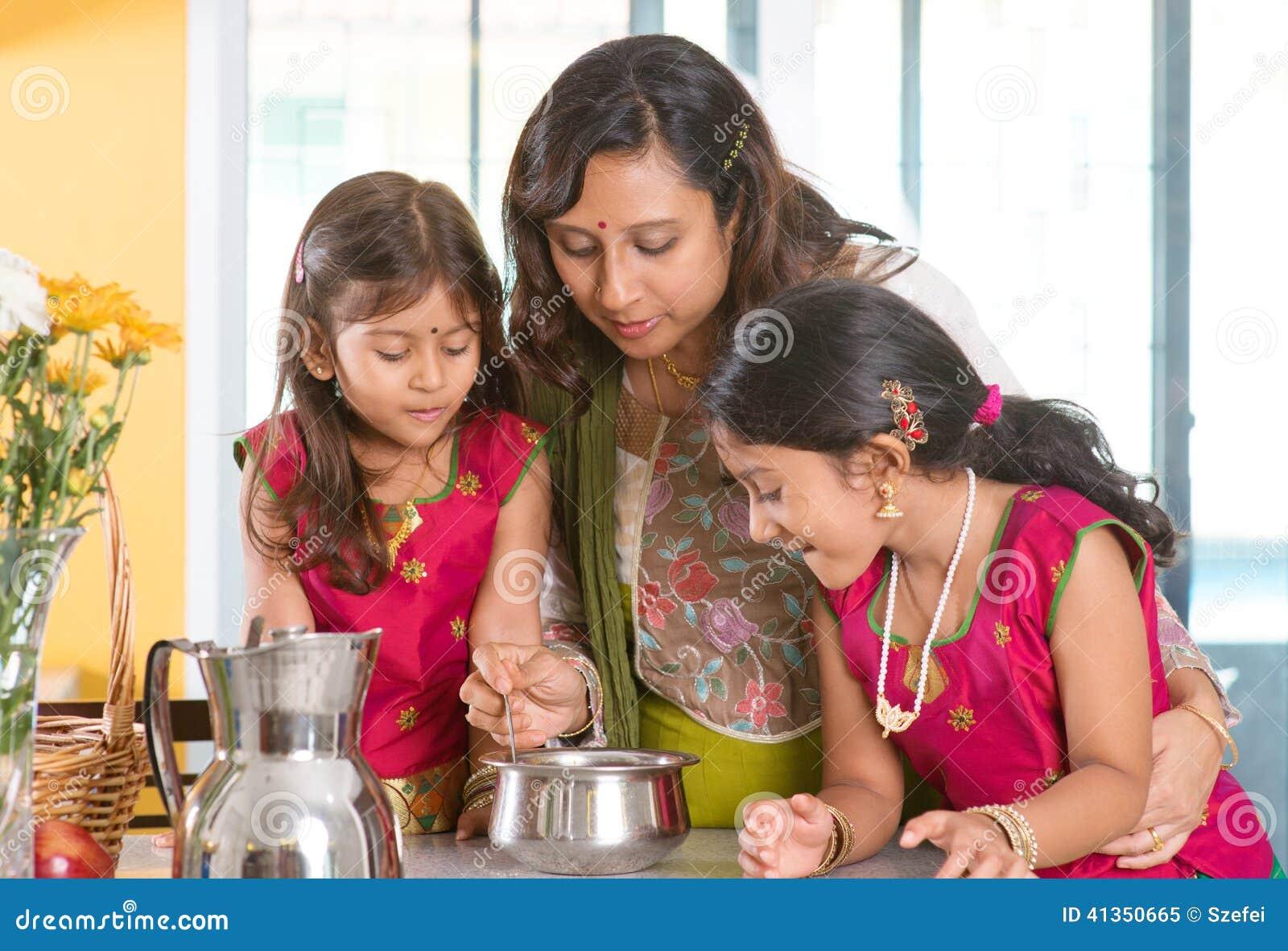 Het Indische familie koken