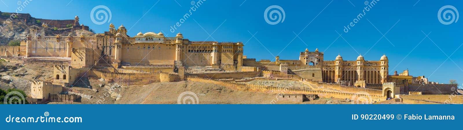 Het indrukwekkende landschap en cityscape in Amber Fort, beroemde reisbestemming in Jaipur, Rajasthan, India Hoge resolutiepano