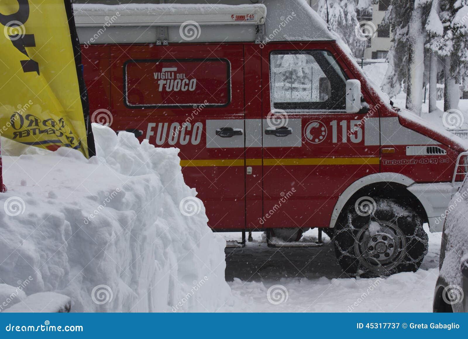 Het Italiaanse voertuig van de Brandredding