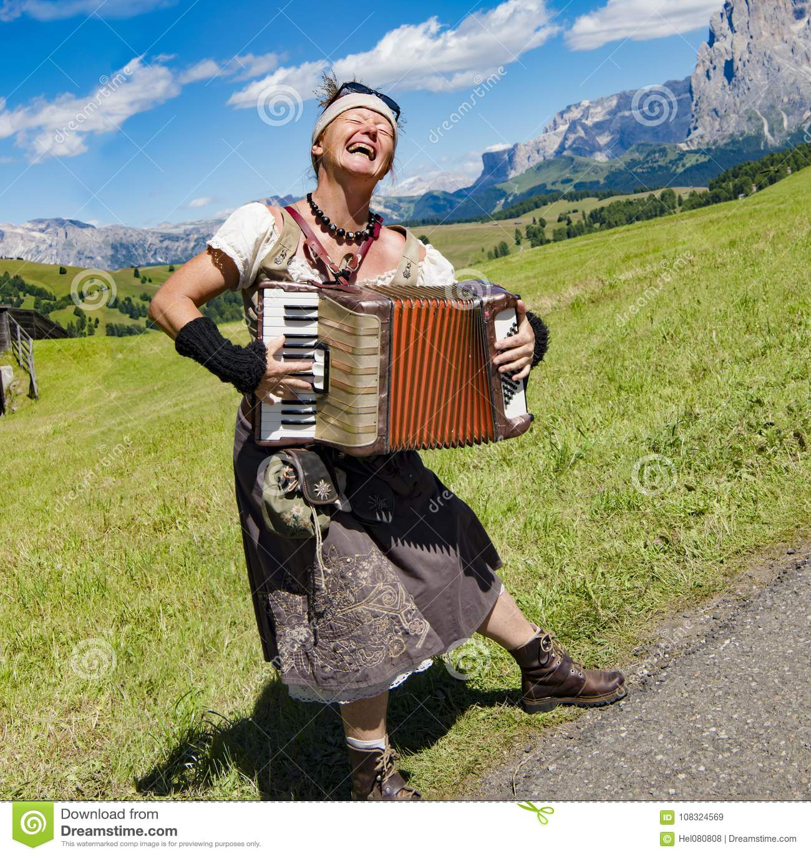 Music cartoon 1820*1454 transprent png free download wood, tyrol.