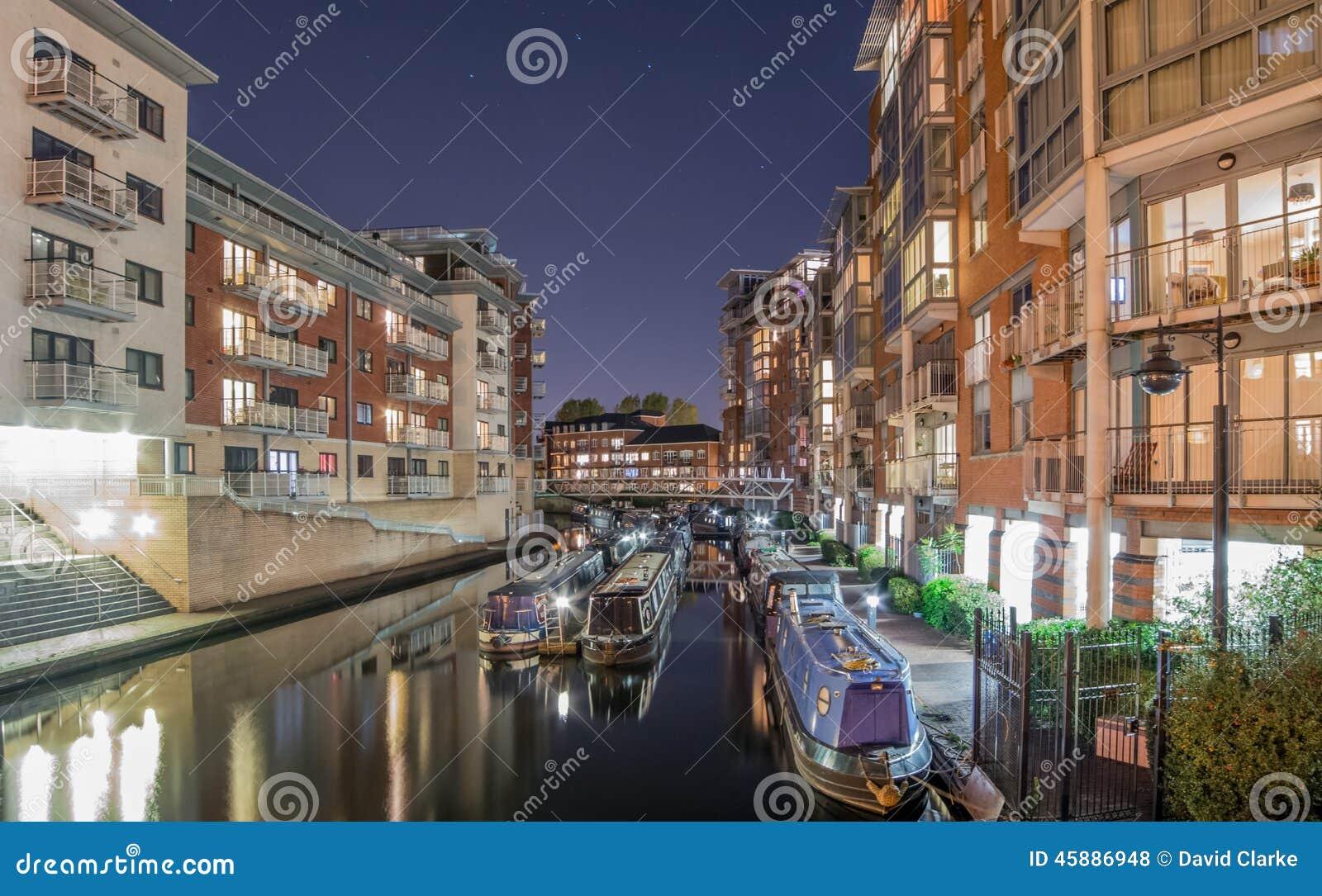 Het Kanaal van Birmingham, in de Stad bij Nacht