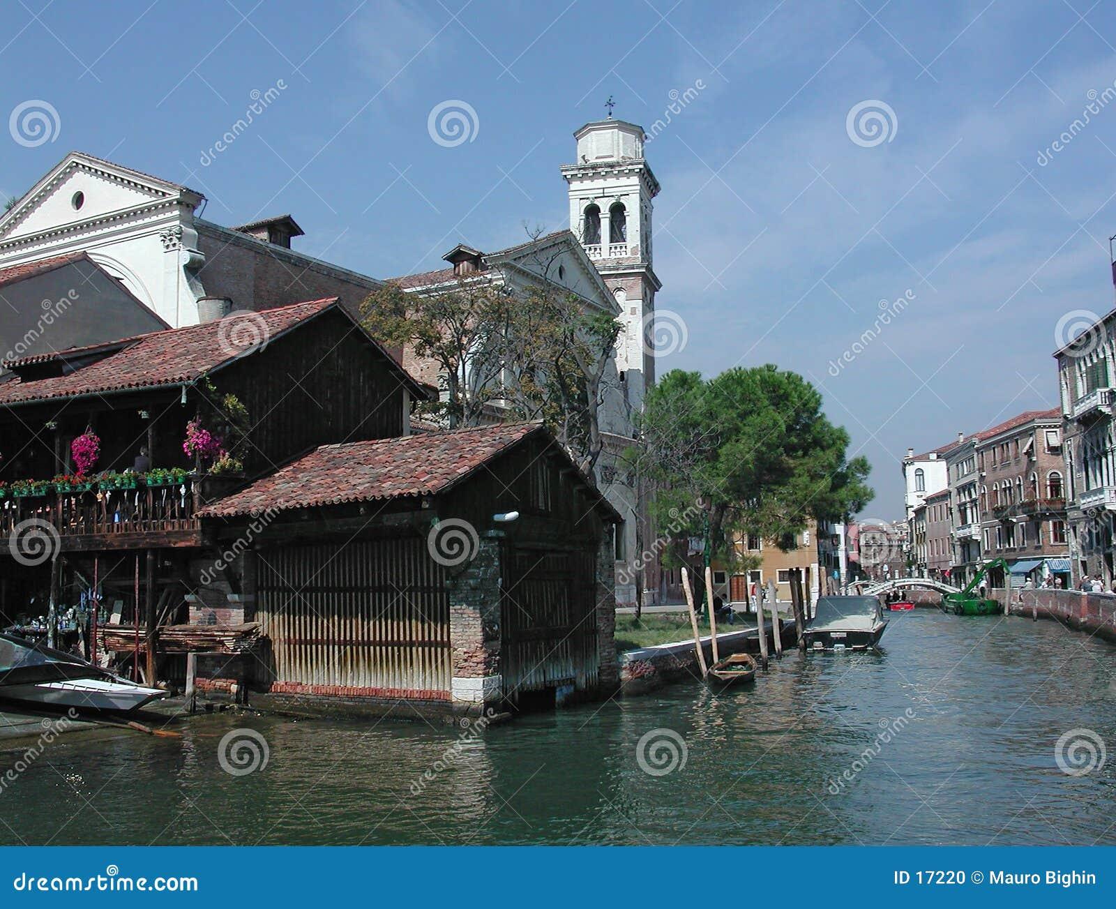 Het kanaal van San Trovaso, Venetië, Italië